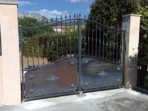 Portail fer forgé traditionnel pont du las. toulon var