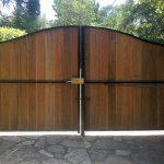 portail cadre acier et bois